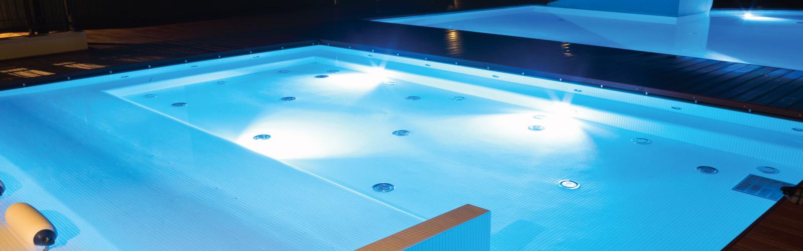 Foco led piscina rgb 18w 12v iluminaci n led hb for Foco piscina